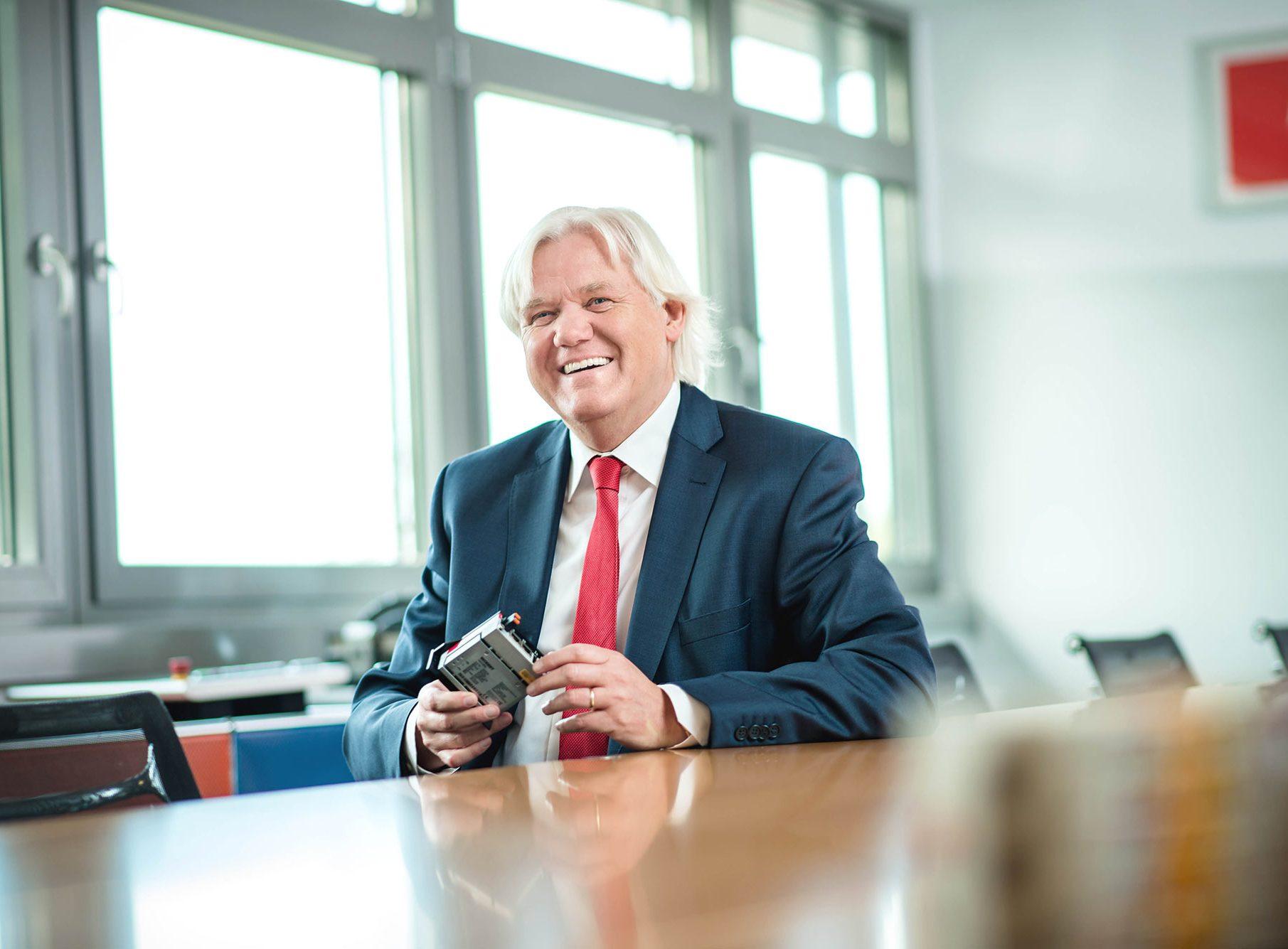 Portrait Hans Beckhoff, Geschäftsführer, CEO, Vorstandsportrait
